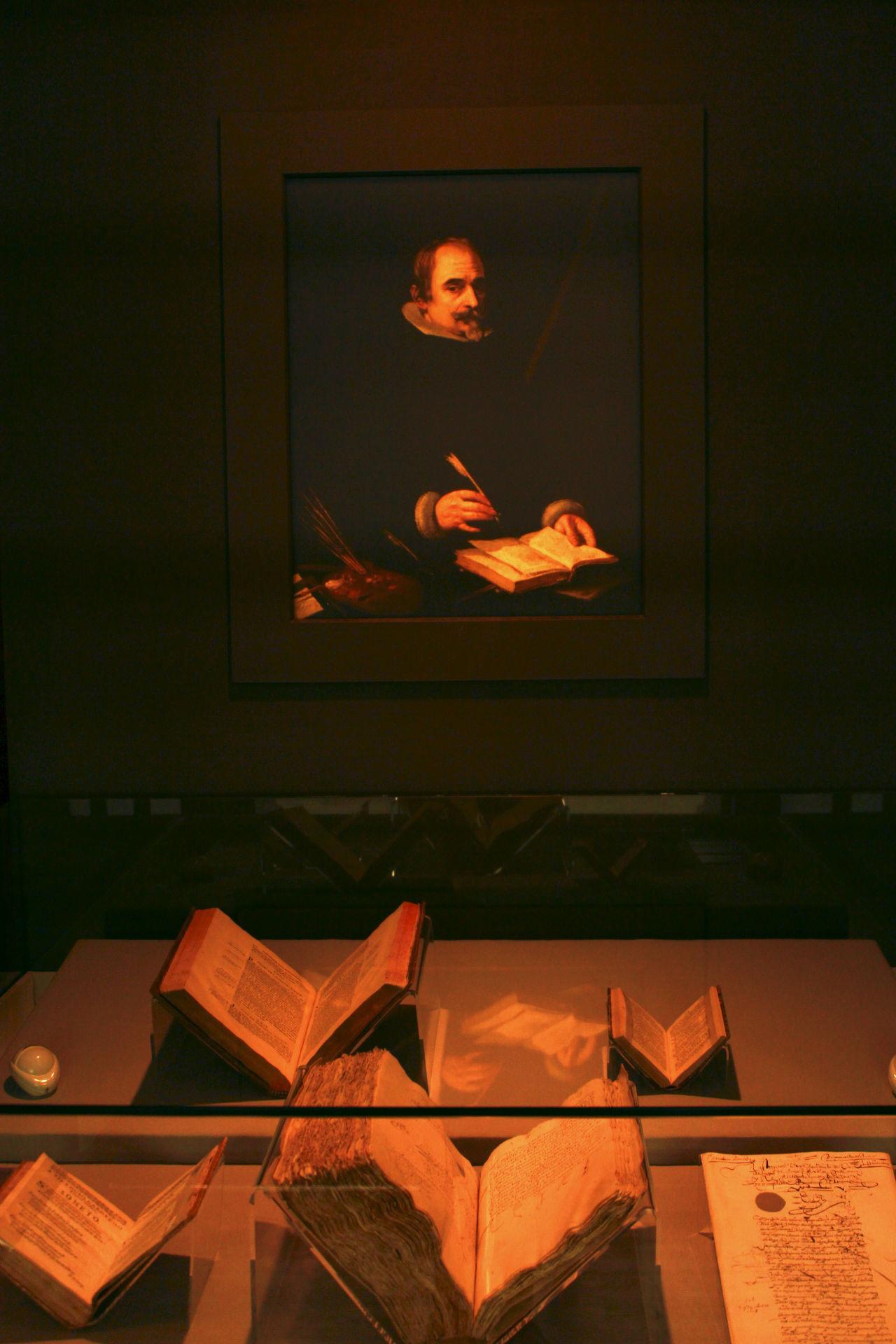 Vista de la primera sala de la exposición en la Biblioteca Nacional.