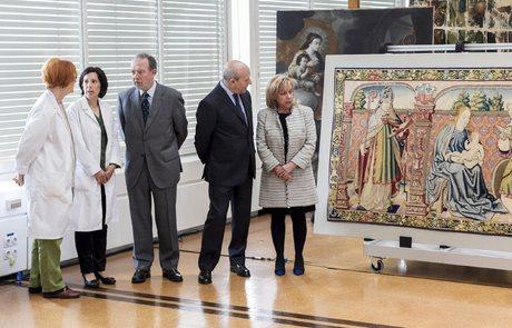 Tapiz 'De la Virgen y San Vicente' robado de la catedral de Roda de Isábena en 1979 y recuperado en 2013.